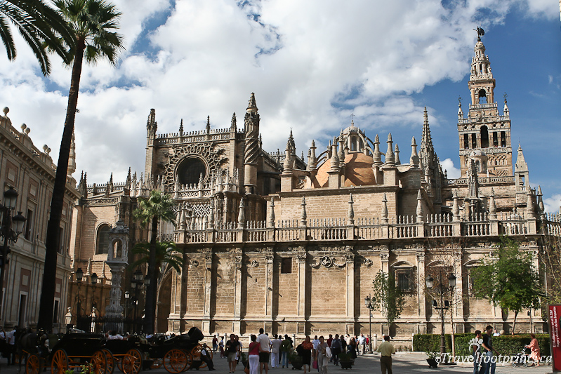 Image gallery seville cathedral for Exterior catedral de sevilla