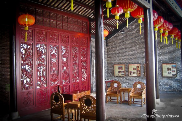 yamen-building-kowloon-walled-city-park-hong-kong-chinese-lantren-carved-wood-door-oriental-decoration