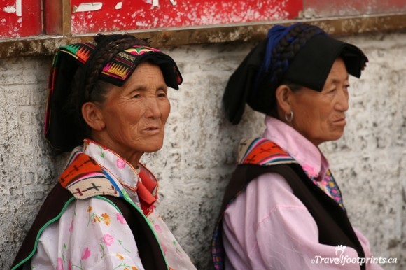 tibet-ladies-traditional-clothing-cloth-on-head-lhasa