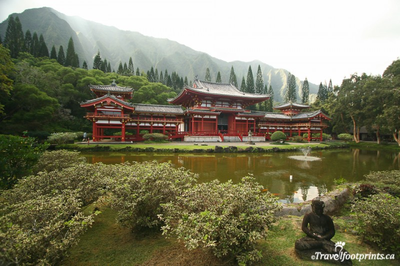 byodo-in-temple-japanese-valley-tourist-attraction-buddhist-serenity-peace-tranquil-gardens-zen-koi-pond