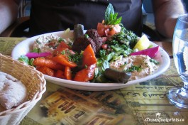 vegetarian-combination-plate-aladdin-cafe-nanaimo-spices-flavourful-food-restaurants-vancouver-island-downtown-eatery