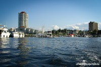 nanaimo-harbour-front-water-ocean-city-views-protection-island-ferry-dinghy-dock-pub-tourist-attraction-local-hangout-dinining-entertainment