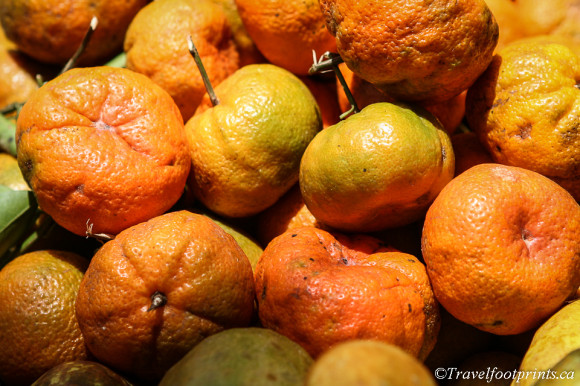 group-of-tangerines-orange-fruit-spice-tour-zanzibar